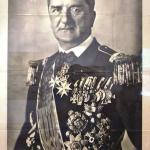 Lezsák Sándor : Csendes ima a Belvárosi Plébániatemplomban
